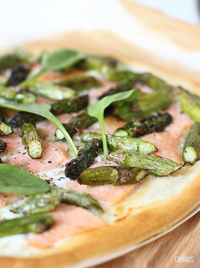 Cookeez pizza blanche asperges saumon fum cookeez - Asperge blanche a la poele ...